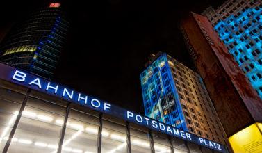 Potsdamer Platz in Berlin in der Bildkritik
